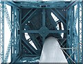 NS4969 : The Titan Crane from below by Lairich Rig
