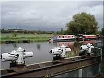 SU6870 : Sluice gates on the Kennet and Avon Canal by Simon Mortimer