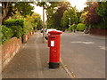 SZ0591 : Parkstone: postbox № BH14 128, King's Avenue by Chris Downer