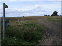 TL0962 : Footpath to Keysoe by Shaun Ferguson