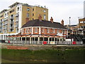 TQ3680 : The Narrow Pub, Limehouse by canalandriversidepubs co uk