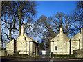 SP3518 : Gate Houses by Des Blenkinsopp