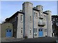 SH5038 : Criccieth Memorial Hall by Dave Croker