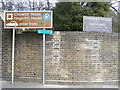 TQ2177 : Signs at entrance to Chiswick House by PAUL FARMER
