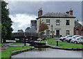 SO9567 : Stoke Bottom Lock and the Navigation Inn, Worcestershire by Roger  Kidd