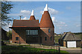 TQ6342 : Oast House at Pippins Farm, Maidstone Road, Pembury, Kent by Oast House Archive