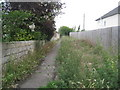 SP1144 : Footpath between the houses at Honeybourne by Jonathan Thacker