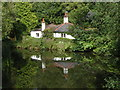 SU8956 : Lodge Cottage, Basingstoke Canal by Alan Hunt