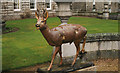 NO2595 : Statue of a roe deer at Balmoral Castle by P L Chadwick