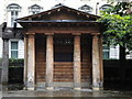 TQ2880 : Shelter, Grosvenor Square Gardens W1 by R Sones