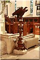 TQ1587 : St Mary, Church Hill, Harrow on the Hill - Lectern by John Salmon