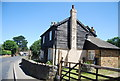 TQ4861 : Weatherboarded cottage, Knockholt Rd by N Chadwick
