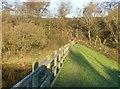 SE1043 : The dam, Sunny Dale Reservoir by Humphrey Bolton