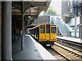 Dist:0.3km<br/>Clapton Station looking towards London. 