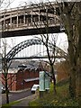 NZ2563 : 'Rise and Fall' artwork above Pipewellgate, Gateshead by Andrew Curtis