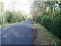SU8306 : Salthill Road looking North by Peter Holmes