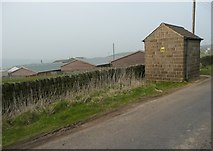 SE0021 : Small building at the side of New Road  by Humphrey Bolton