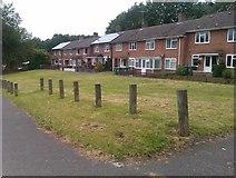 SU4613 : Housing and grassed area in Cheriton Avenue by David Martin