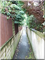 SE2025 : Footpath - Quarry Road by Betty Longbottom