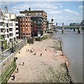 TQ3280 : Beach downstream from Millennium Bridge by Robin Stott