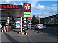 TQ2976 : Filling station beside Wandsworth Road by David Martin