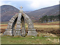 NO4182 : The Queen's Well, Glen Mark by Trevor Littlewood