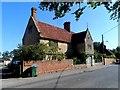 SP8027 : Deverells Farm, Swanbourne estate by Bikeboy