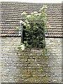 ST6965 : Plenty of fresh air by Neil Owen