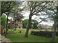 SE0518 : Knoll Top and Krumlin Hall by John Slater