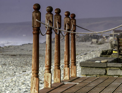 SN6089 : Posts, rope and decking by Chris Denny