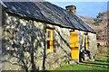 NN0283 : Glensulaig Bothy by Jim Barton