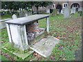 TQ3786 : Tomb of Theresa Elizabeth Dashwood, Leyton Churchyard by Marathon