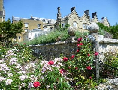 TQ5237 : The gardens of Burrswood Hospital by Marathon