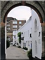 TQ2582 : Elgin Mews South, W9 : Week 33
