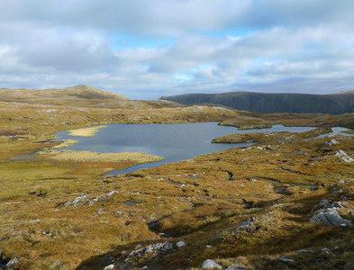 NH3185 : Loch Coire Mhic Mhathain by Fionn McArthur