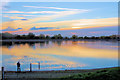SP9113 : Photographing the Sunset at Startops Reservoir, near Tring by Chris Reynolds