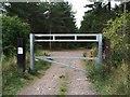 TL1640 : Entrance to car park by Alex McGregor