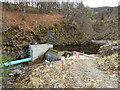 NH4009 : Dam on the Allt doe by valenta