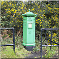 O2314 : Victorian Postbox, Rocky Valley by Rossographer