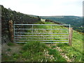 SE0228 : Gate on the northern branch of Wadsworth FP67, Midgley by Humphrey Bolton