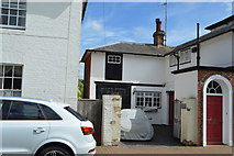 TQ5243 : Cottage on High St by N Chadwick