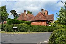 TQ4945 : Gilwyns, entering Chiddingstone by N Chadwick
