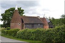 TQ5246 : Moorden Farm Oast by N Chadwick