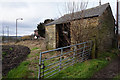 SE3004 : Small barn on Ben Bank Road, Dodworth by Ian S