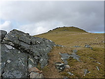NG9376 : The upper slopes of Beinn Airigh Charr by Richard Law