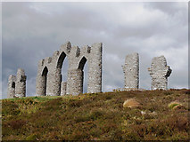 NH6069 : Fyrish Monument by Julian Paren
