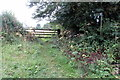 SP5844 : Footpath to Home Farm by Philip Jeffrey