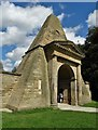 SE4018 : The Obelisk Gatehouse, Nostell Priory : Week 31