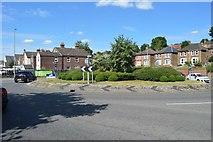 SU8693 : Roundabout, A4128 by N Chadwick