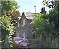 SU8694 : Middle Lodge by N Chadwick